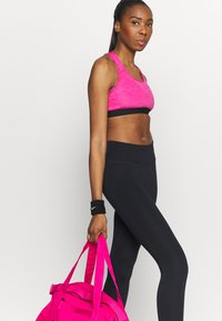 Nike Performance - ONE CROP 2.0 - Leggings - black - 3