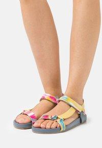 Copenhagen Shoes - PEACE - Sandały - blue/multicolor - 0