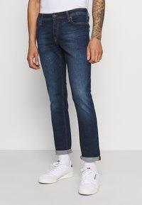 Jack & Jones - JJIGLENN JJORIGINAL - Slim fit jeans - blue denim - 0