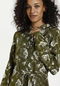 Kaffe - KAMALINE  - Shirt dress - grape leaf, chalk flower - 3