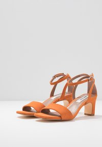 Matt & Nat - ELODIE - Sandals - orange - 4