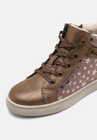 Friboo - Zapatillas altas - bronze - 4