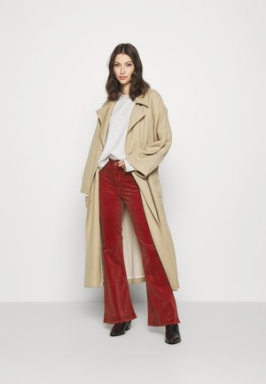 BREESE - Trousers - red ocre