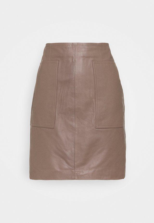 SLFMOON SKIRT   - Leather skirt - fossil