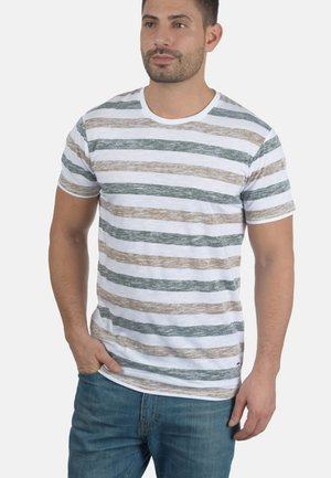 RUNDHALSSHIRT TET - Print T-shirt - brown