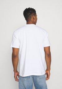 Carhartt WIP - BEACH - Print T-shirt - white - 2