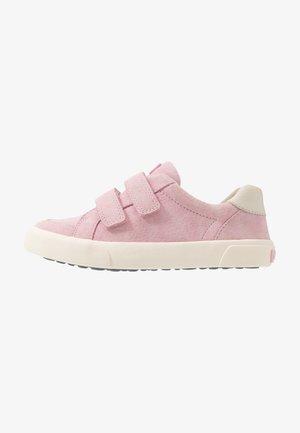PURSUIT - Sneakers laag - pink