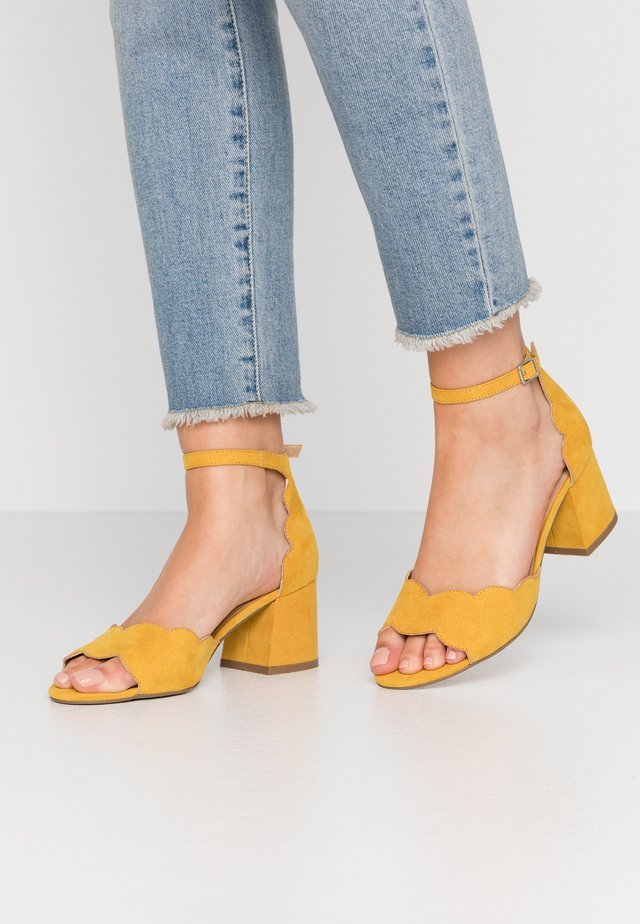 Sandals - old yellow