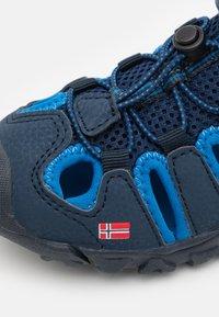 TrollKids - KIDS KRISTIANSAND UNISEX - Chodecké sandály - navy/medium blue - 5