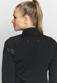 Nike Performance - DRY - Treningsskjorter - black/anthracite - 3