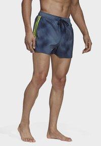 adidas Performance - 3-STRIPES FADE CLX SWIM SHORTS - Uimahousut - blue - 3