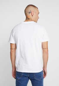 Jack & Jones - JORBASIC CREW NECK 5 PACK  - T-shirt basic - only white - 3