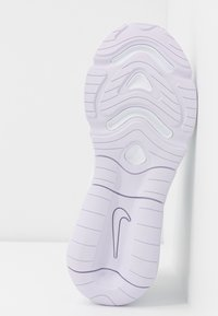 Nike Sportswear - AIR MAX 200 - Sneakersy niskie - white/barely grape/metallic silver - 6