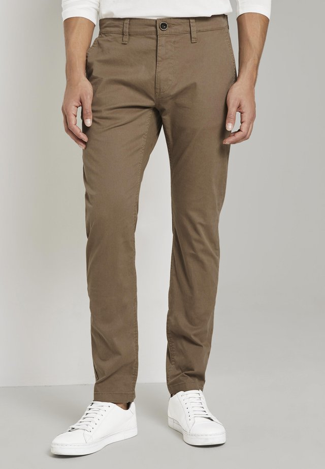 Chino - dusty caramel brown