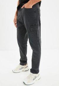 Trendyol - Pantalon cargo - grey - 0