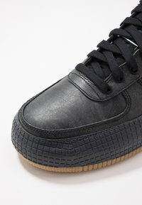 Nike Sportswear - AF1-TYPE  - Trainers - black/anthracite/light brown - 5