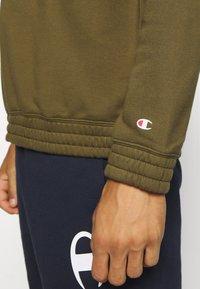 Champion - LEGACY HERITAGE TECH CREWNECK - Sweatshirt - olive - 5
