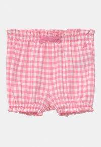 GAP - Shorts - neon impulsive pink - 0