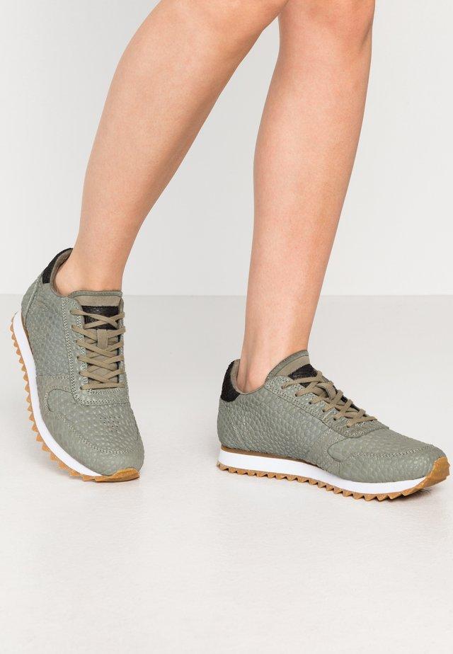 YDUN CROCO II - Sneakers laag - vertiver