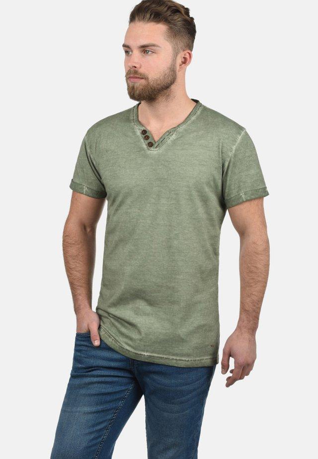 TINO - Basic T-shirt - olive
