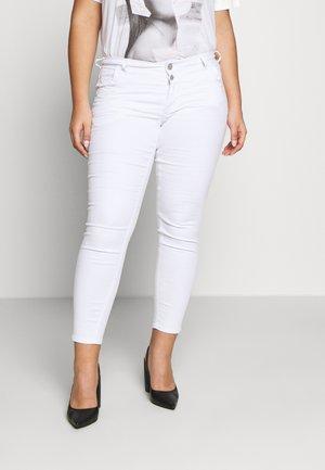 CROPPED SANNA - Jeans Skinny - white
