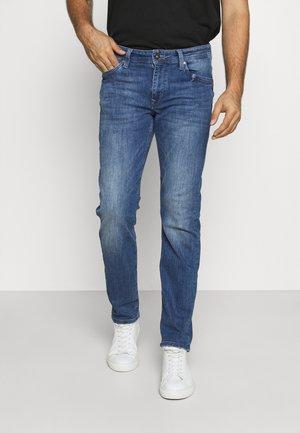 SEAHAM TRACKER - Slim fit jeans - medium vintage