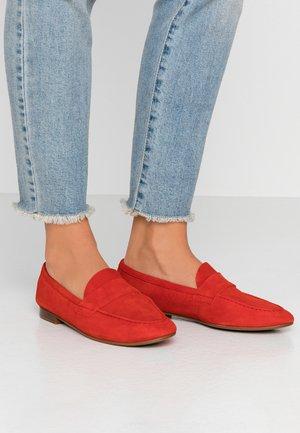 LEATHER SLIPPERS - Nazouvací boty - red