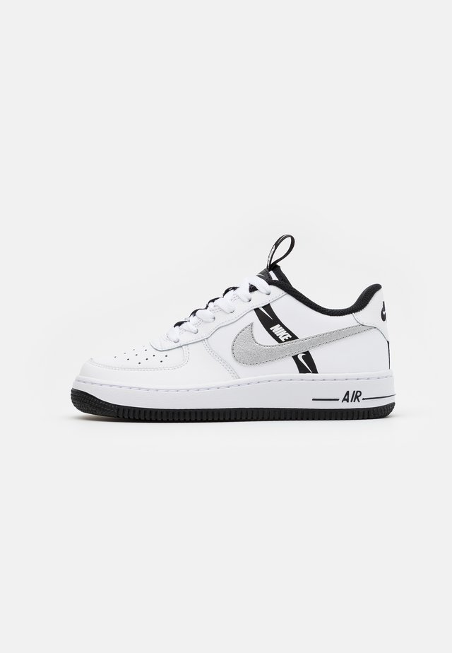 AIR FORCE 1 - Baskets basses - white/black/reflective silver