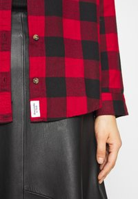 Abercrombie & Fitch - HOLIDAY - Button-down blouse - red buff