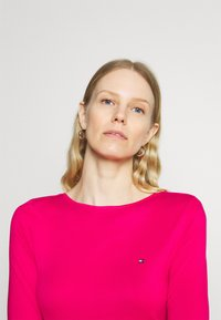 Tommy Hilfiger - BOAT NECK TEE 3/4 - Long sleeved top - bright jewel - 3
