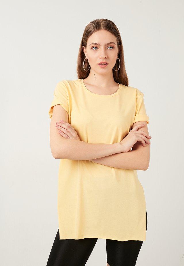 T-shirt basic - yellow