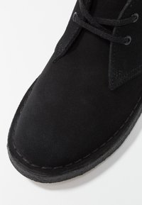 Clarks Originals - DESERT BOOT - Stringate sportive - black - 2
