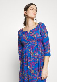 Slacks & Co. - AVERY - Day dress - floral leaf blue - 3