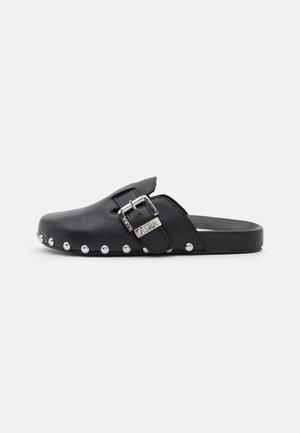 FENTON - Pantofle - black
