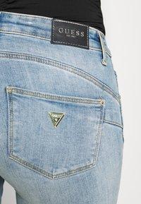 Guess - ULTRA CURVE - Jeans Skinny Fit - blue denim - 4