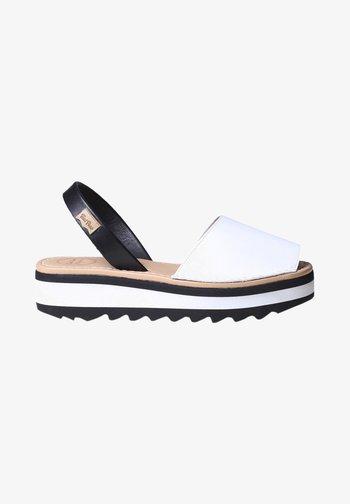 SOLLER - Platform sandals - white