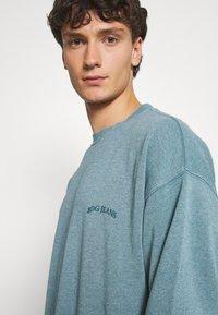 BDG Urban Outfitters - CREWNECK UNISEX - Sweatshirt - mineral green - 4