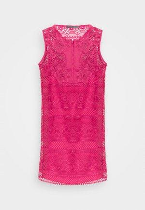 DRESS - Denní šaty - fucsia