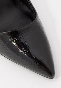 Miss Selfridge - CATERINAPOINTED STILETTO COURT - High heels - black - 2