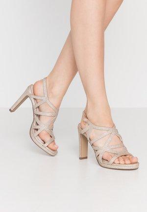 Sandály na vysokém podpatku - champagne