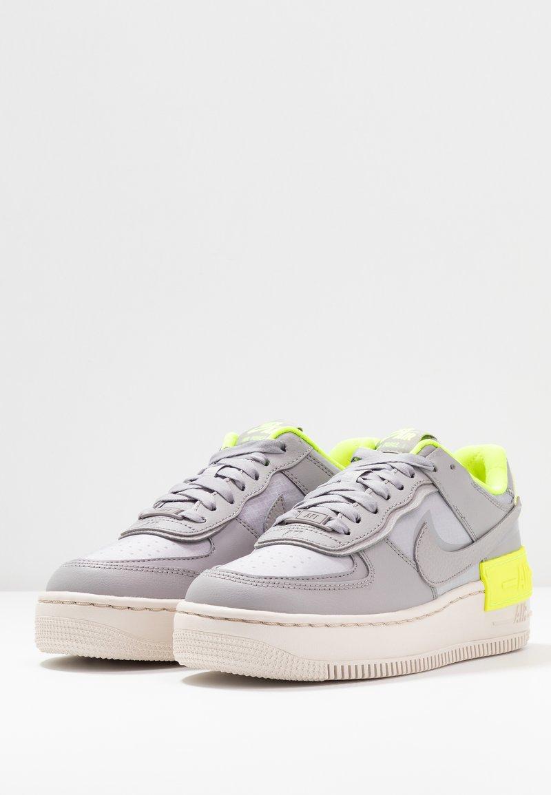 Nike Sportswear Af1 Shadow Trainers Atmosphere Grey Light Orewood Brown Volt Zalando Ie Nike w af1 shadow se. zalando