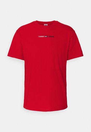 LINEAR LOGO TEE - Print T-shirt - red