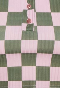 NEW girl ORDER - CHECKERBOARD - Print T-shirt - pink - 2