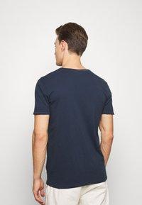 Lindbergh - WASHED TEE - Basic T-shirt - dark blue - 2