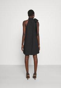 MICHAEL Michael Kors - HALTER TIE NECK DRESS - Koktejlové šaty/ šaty na párty - black - 2