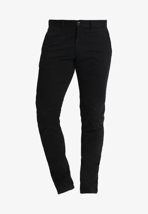 PRISTU - Chino kalhoty - black