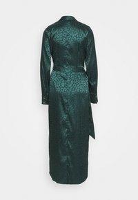 Never Fully Dressed Tall - LEOPARD LONGSLEEVE WRAP DRESS - Maksimekko - emerald - 1