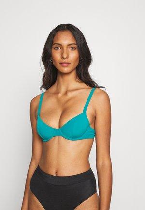 ESSENTIELLE CORBEILLE - Bikini top - vert