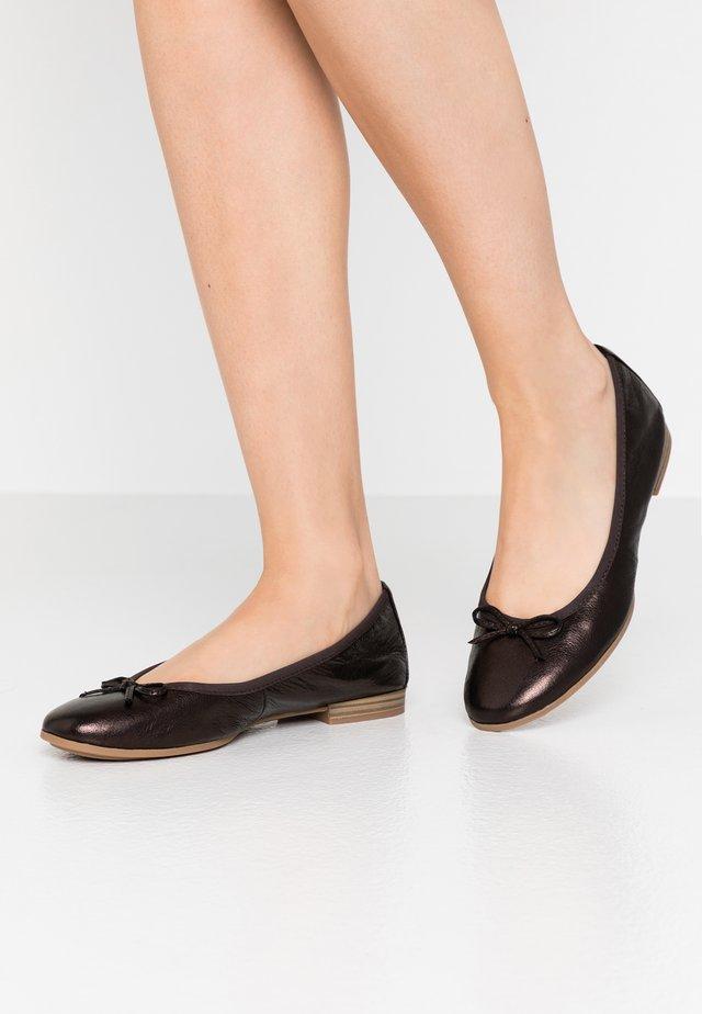WOMS  - Ballerina - dark bronce
