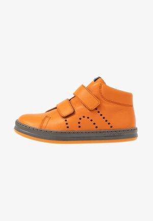 RUNNER FOUR KIDS - Sneakers hoog - medium orange